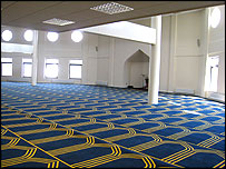 centre hall muslim 28 rows list of ahmadiyya buildings and structures part of a series on: ahmadiyya.